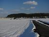 120129 壺瓶山へと向かう雪かきされた農道.jpg
