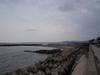 120904 海岸と雨雲.jpg
