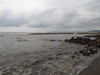 130901 泥汚れの淀江海岸.jpg