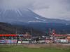 140321 エネオスと雪の増えた大山.jpg