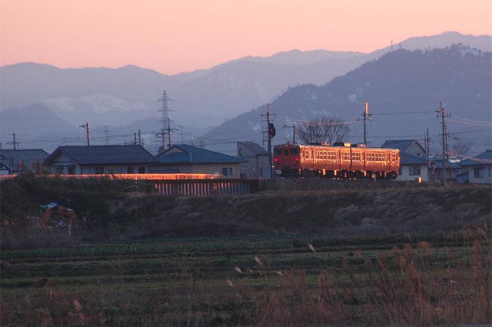 090129 夕焼け列車 jpg