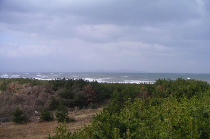 090201 白波の立つ海岸線.jpg