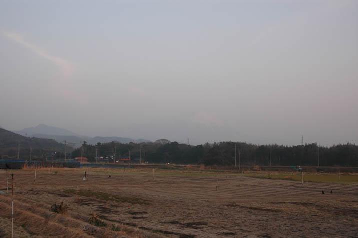 090212黄砂で霞む大山.jpg