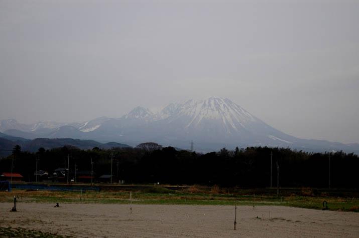 090226 大山の雪解け.jpg
