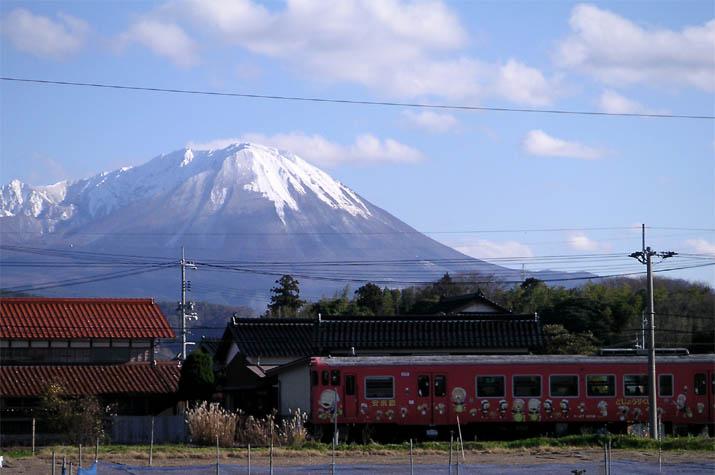 090313 山陰線の安来節列車.jpg