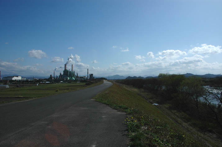 090320 日野川と王子製紙.jpg