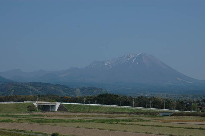 090420春の大山.jpg
