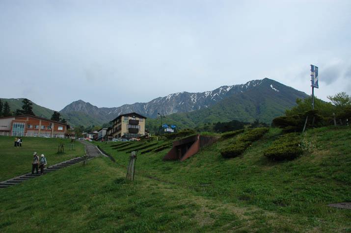 090506博労座駐車場から見る大山.jpg