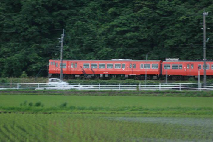 090607ディーゼル列車.jpg