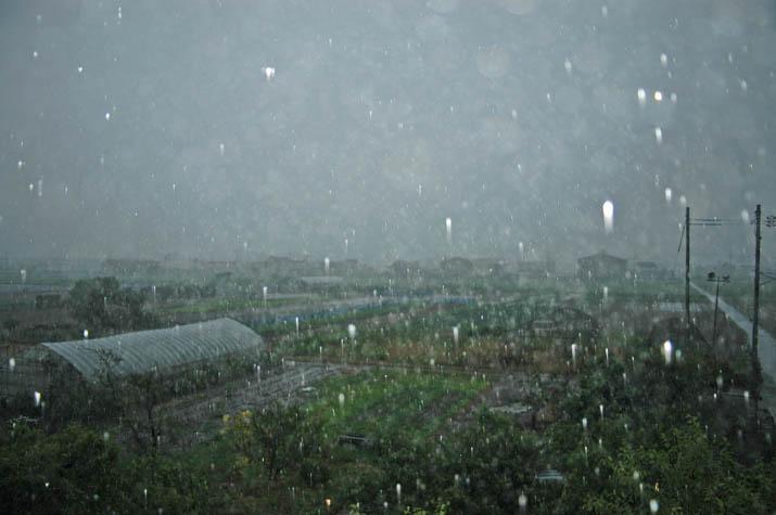 090622 山陰をおそう大粒の雨.jpg