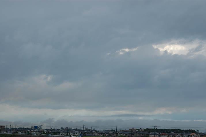 090622 米子の空を覆う雨雲.jpg