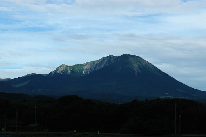 090715 緑の大山.jpg