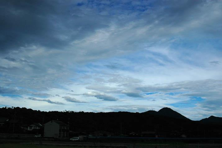 090715 奇跡のような雲と空.jpg