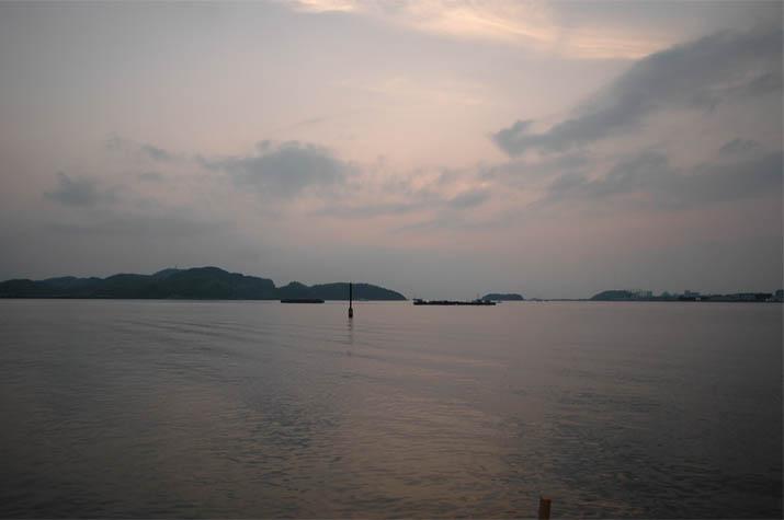 090718 日暮れ前の中海.jpg