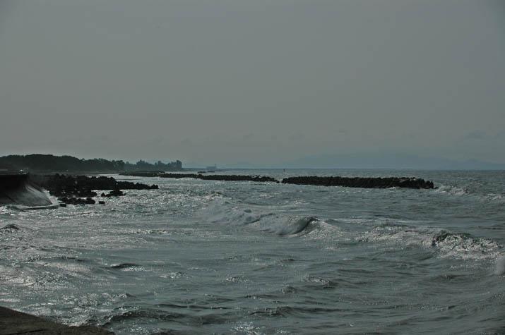 090723 波の荒い美保湾.jpg
