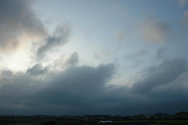 090805 日暮れ前の雲.jpg
