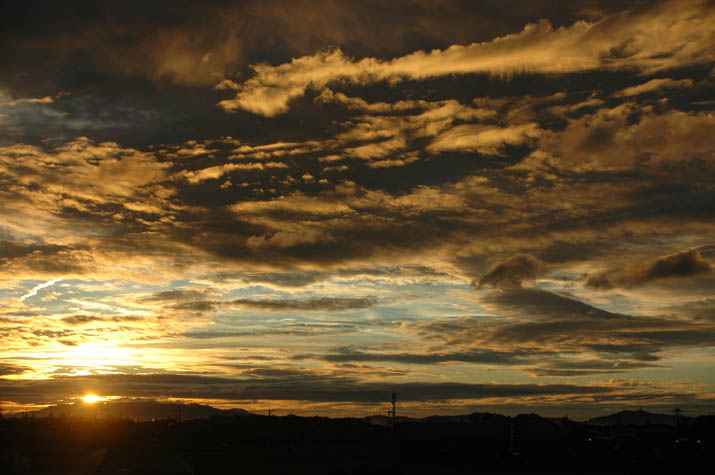 090809綺麗な雲の夕焼け.jpg