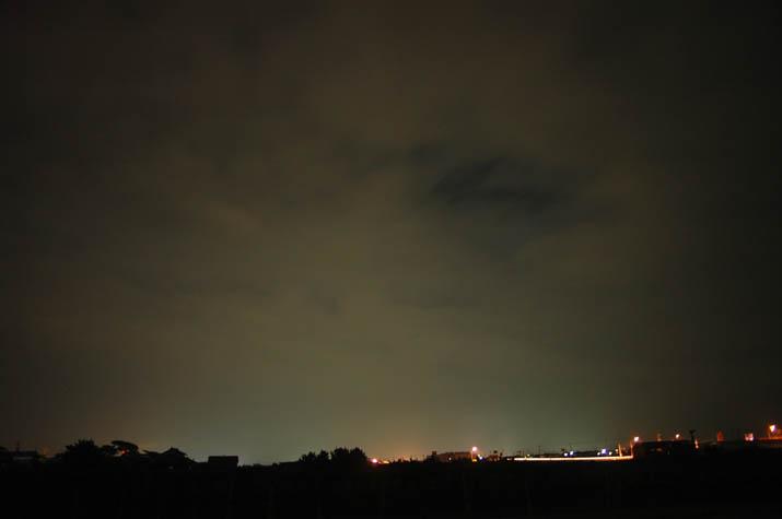 090812 曇りの日の夜.jpg