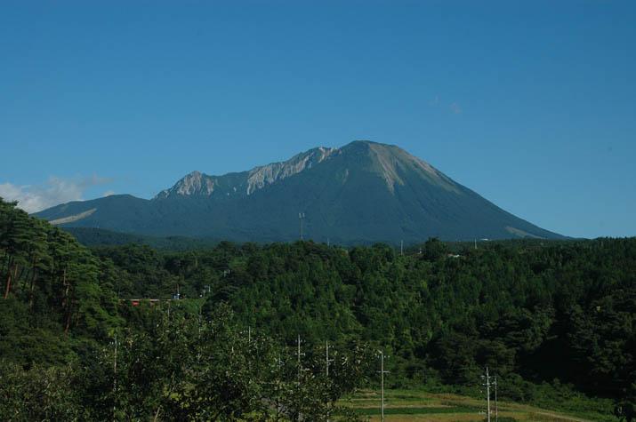 090902 大山全体像.jpg