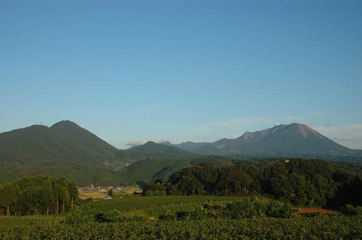 090913 秋晴れの大山.jpg