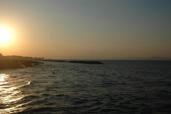 090916 輝きながら沈む夕日.jpg