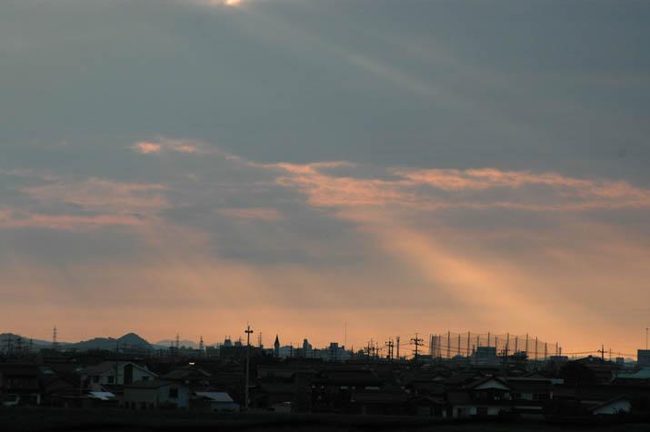 091001 米子を照らす夕日の後光.jpg