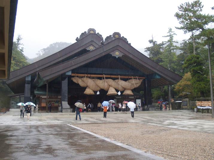 091101 出雲大社の神楽殿.jpg