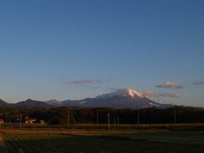 091103 夕日に照らされた大山.jpg