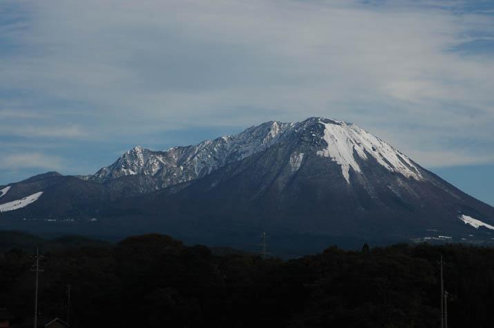 091104 白と黒の大山模様.jpg