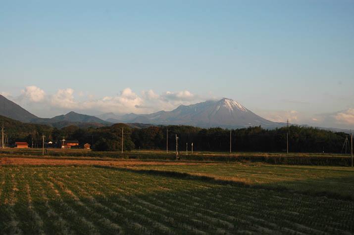 091106 淀江町小波から見る大山.jpg