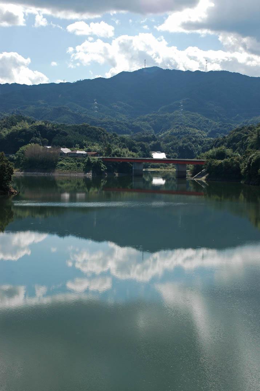 091109 湖面が反射 緑水湖.jpg