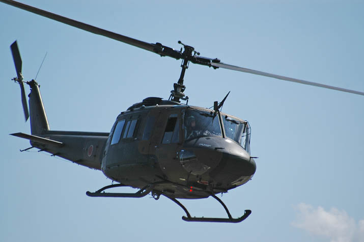 091110 多用途ヘリ UH-1J.jpg