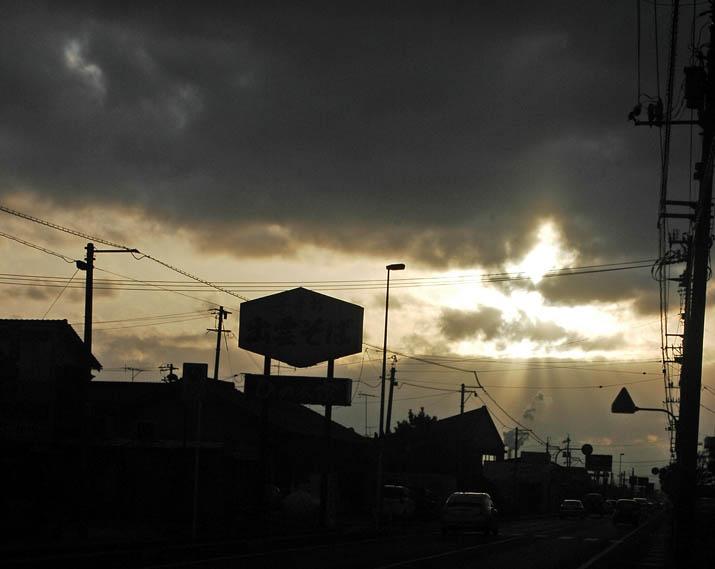 091112 9号線と差し込む日の光.jpg