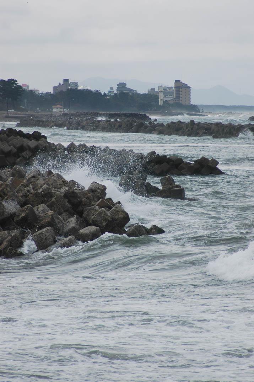 091113 荒れる海.jpg