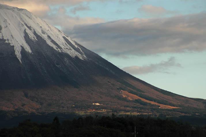 091119 大山と桝水高原スキー場周辺.jpg