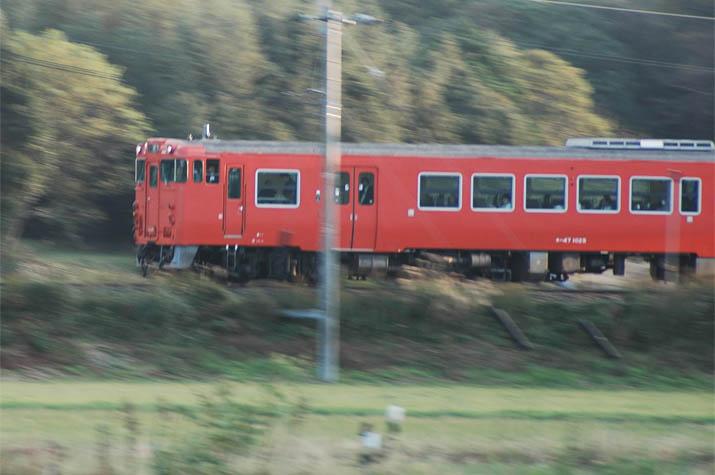 091120 空席多い普通列車.jpg