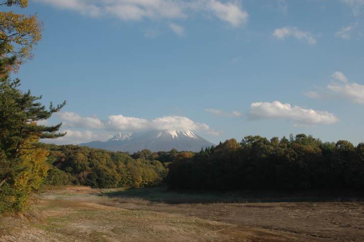 091124 岡成池から大山を・・.jpg