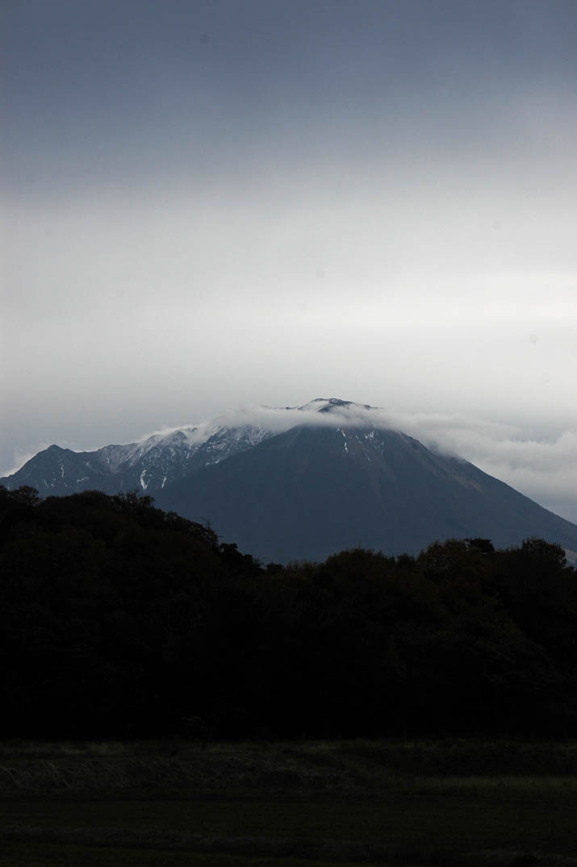 091129 大山を覆う雲の波.jpg