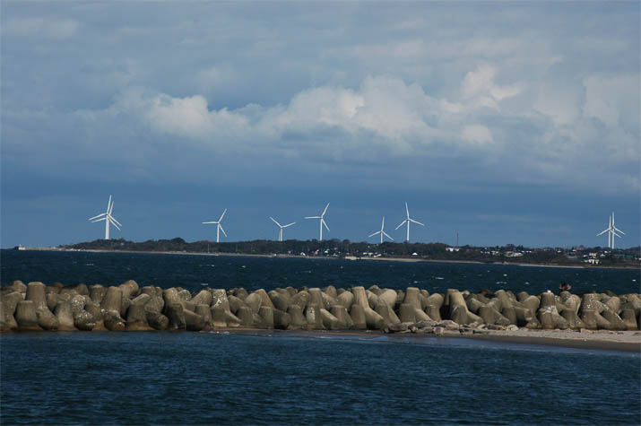 091130 大山町の風車群.jpg