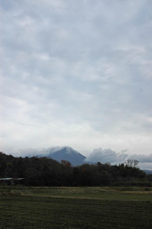 091213 モクモク雲と大山.jpg