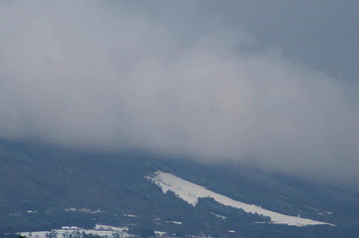 091221 雲が迫る桝水高原スキー場.jpg
