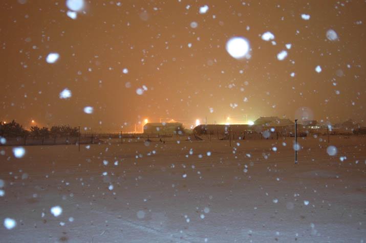 091225 夜の雪.jpg
