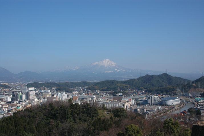 100k_001 城跡からみる大山