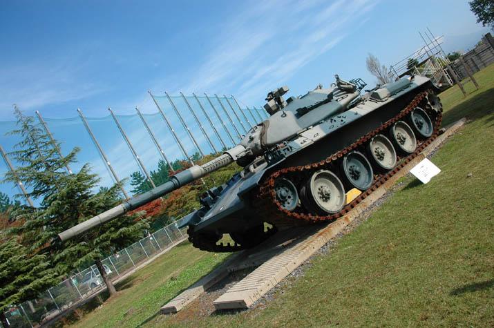 100k_025 米子駐屯地の戦車