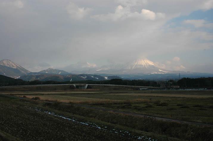 100116 少し雲の晴れた今日の大山.jpg