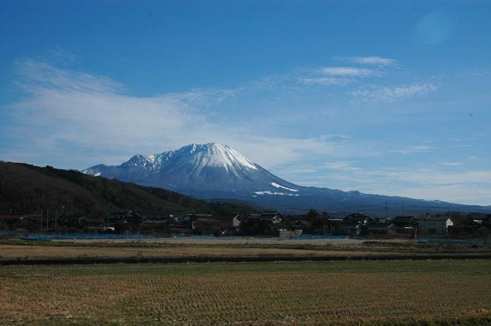 100127 鮮やかな大山.jpg