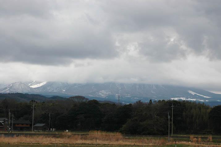 100214 分かれ目クッキリ大山.jpg