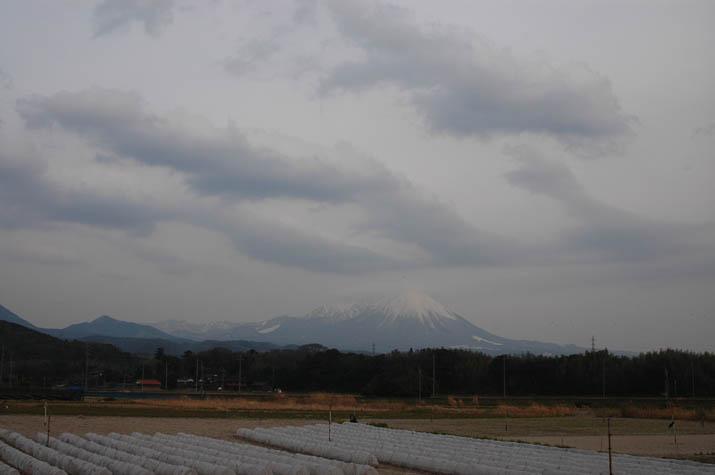 100222 雲と大山.jpg