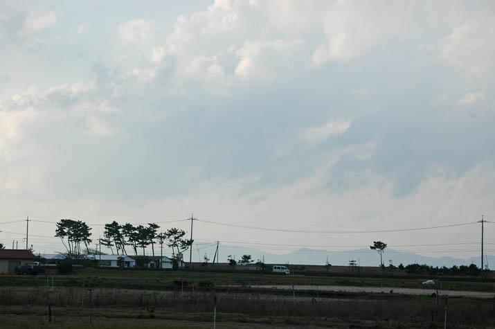 100318 海岸方向の雲.jpg