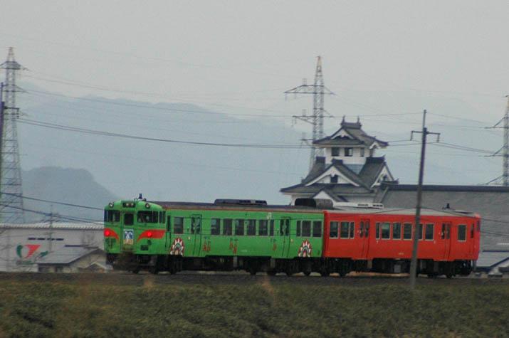 100322 寿城とウサギ列車.jpg